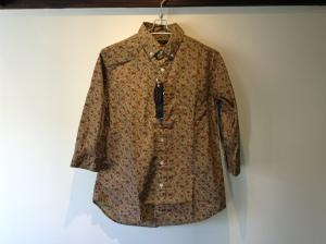 7分袖シャツが売れ始めてます。